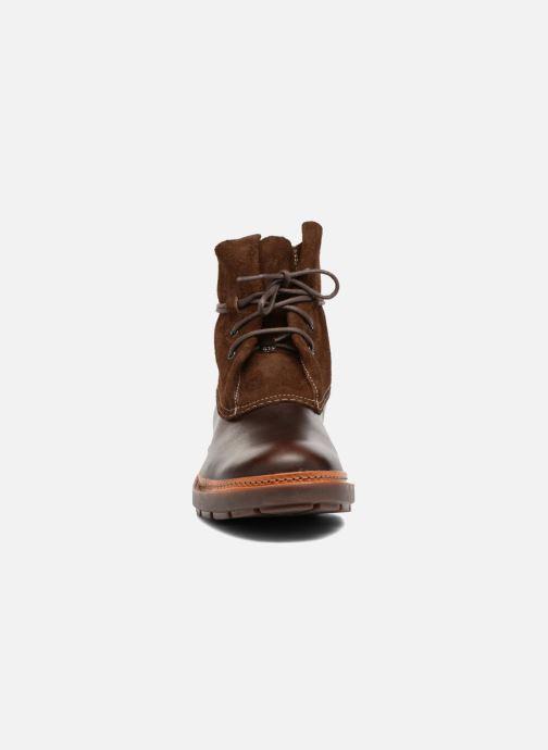 Bottines et boots Clarks Trace Dusk Marron vue portées chaussures