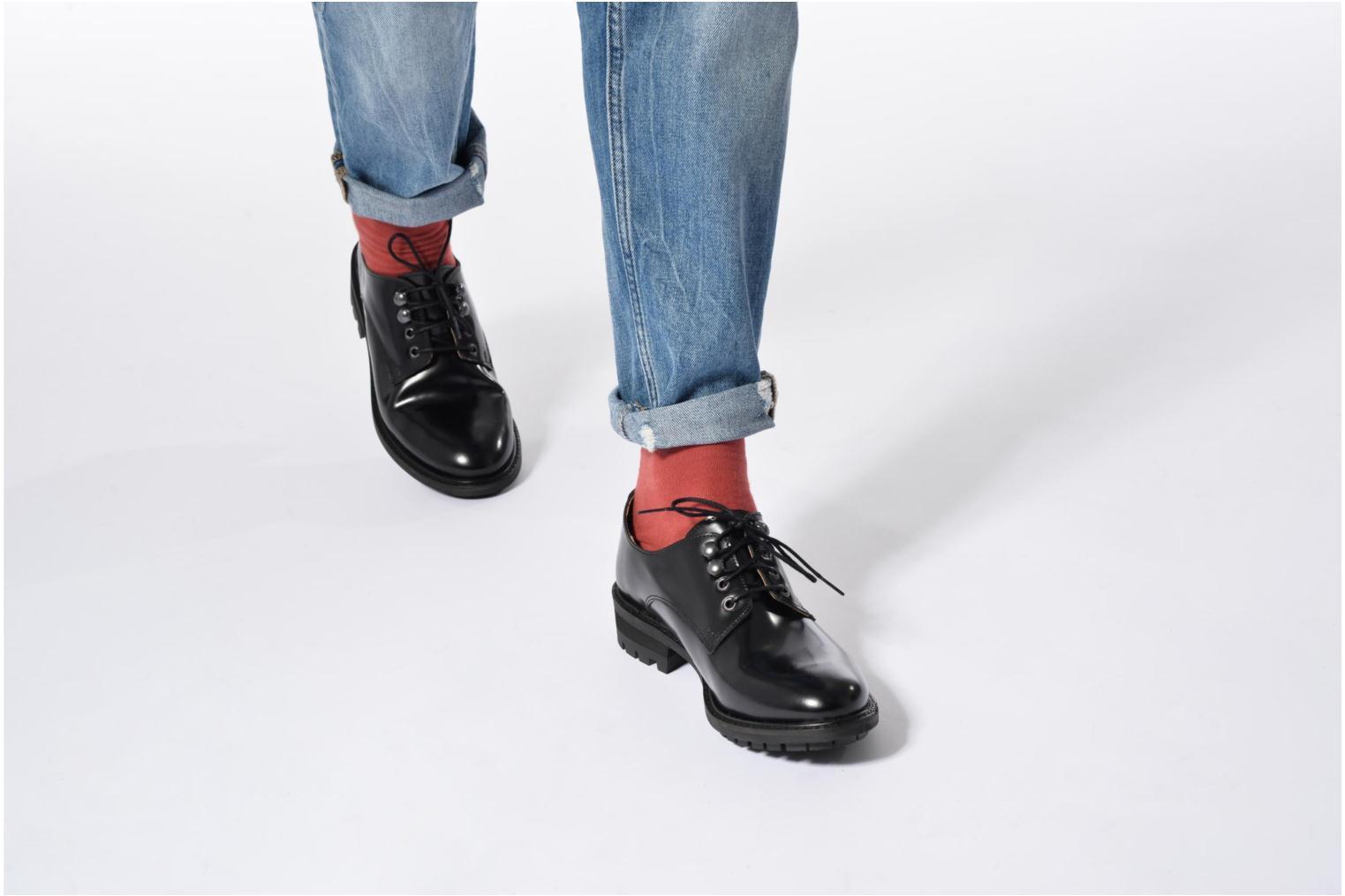Chaussures à lacets Made by SARENZA Winter Ski #14 Noir vue bas / vue portée sac