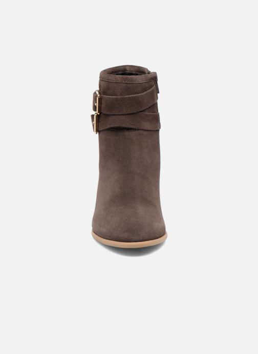 Bottines et boots Les Tropéziennes par M Belarbi Arius Marron vue portées chaussures