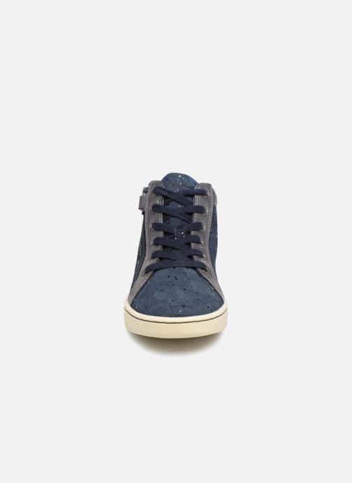 Sneakers Kickers Lyluby Azzurro modello indossato