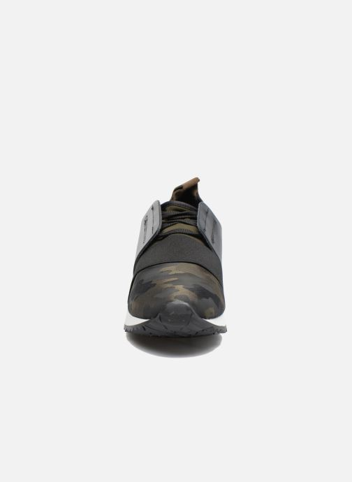Sneakers Sixty Seven Megan Groen model