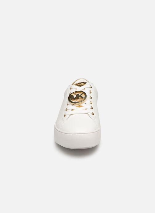 Baskets Michael Michael Kors Poppy Lace Up Blanc vue portées chaussures