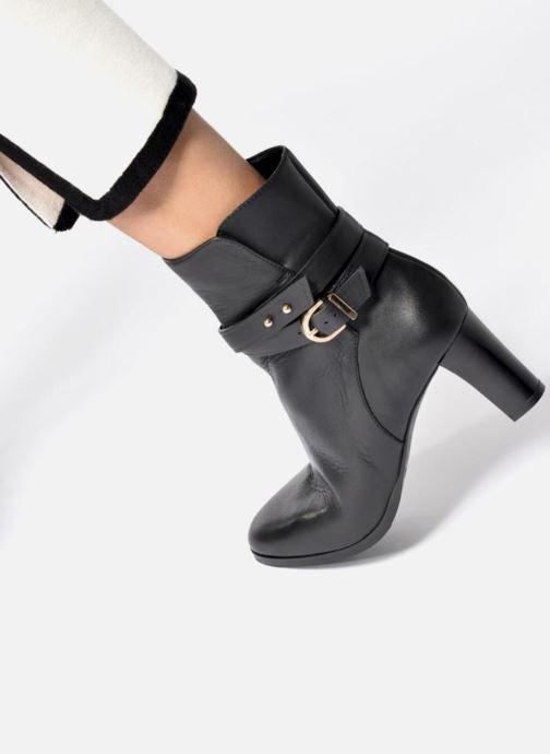 Bottines et boots L.K. Bennett Josie Noir vue bas / vue portée sac