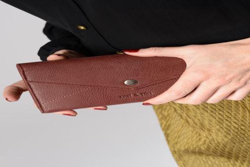 Portemonnaies & Clutches Nat & Nin Noa blau ansicht von unten / tasche getragen