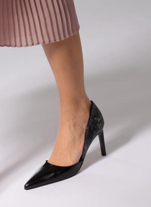 High heels Elizabeth Stuart Laslo 132 Black view from underneath / model view