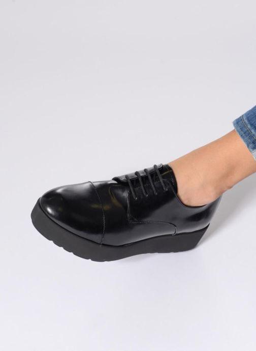 Schnürschuhe Elizabeth Stuart Cid 308 schwarz ansicht von unten / tasche getragen