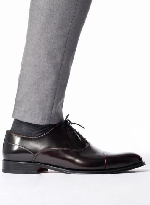 Chaussures à lacets Marvin&Co Retford Bordeaux vue bas / vue portée sac