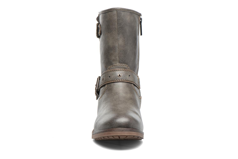 Bottines et boots Mustang shoes Ellogua Gris vue portées chaussures