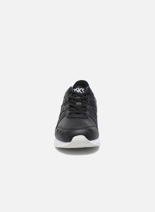 Baskets Asics Gel-Lyte Noir vue portées chaussures