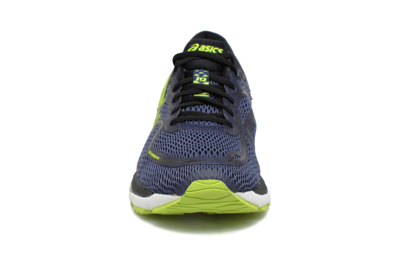 Chaussures de sport Asics Gel-Cumulus 19 Bleu vue portées chaussures
