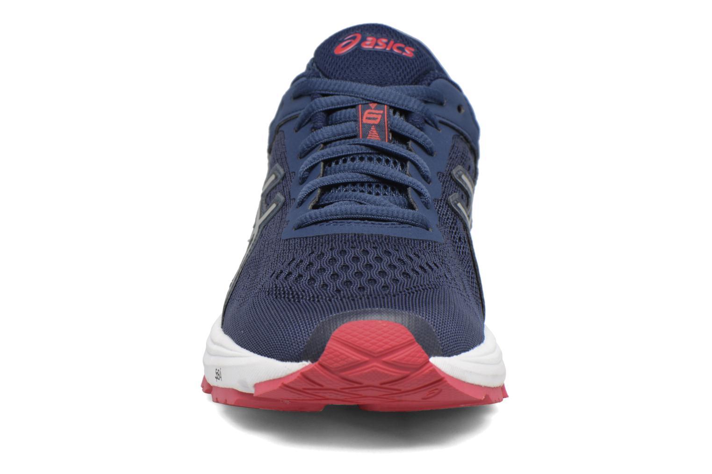 Chaussures de sport Asics GT 1000 6 W Bleu vue portées chaussures