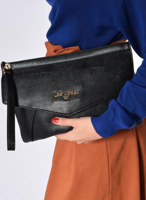 Handtaschen Les P'tites Bombes Pochette schwarz ansicht von unten / tasche getragen