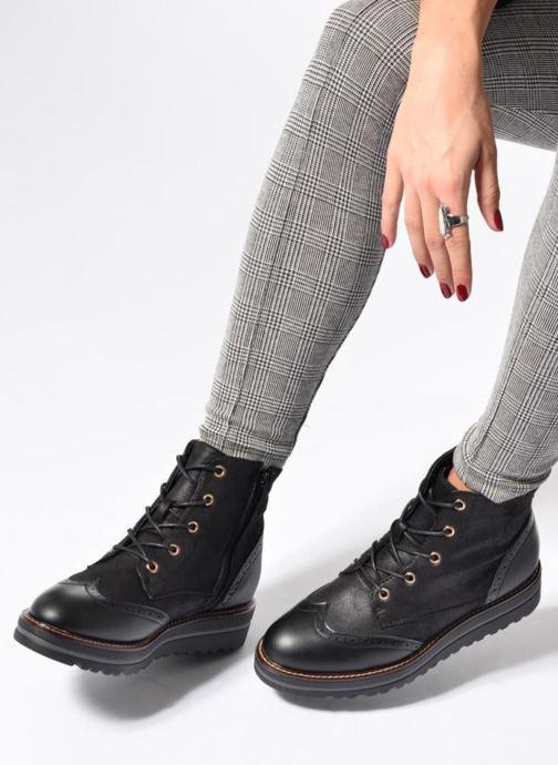 Chaussures à lacets I Love Shoes THASETO Noir vue bas / vue portée sac