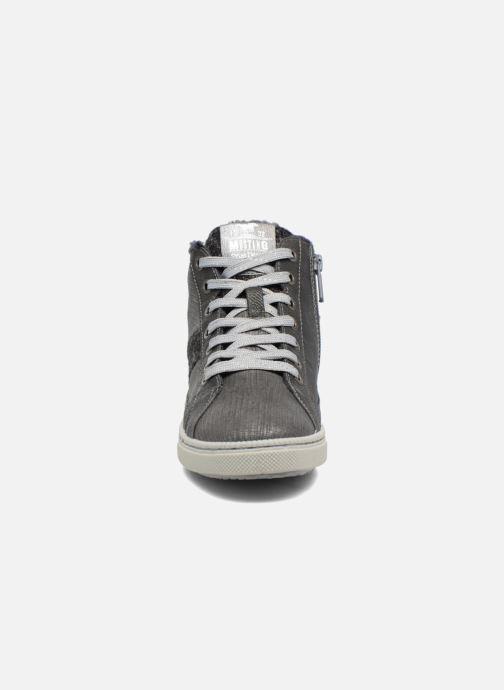 Baskets Mustang shoes Gero Gris vue portées chaussures