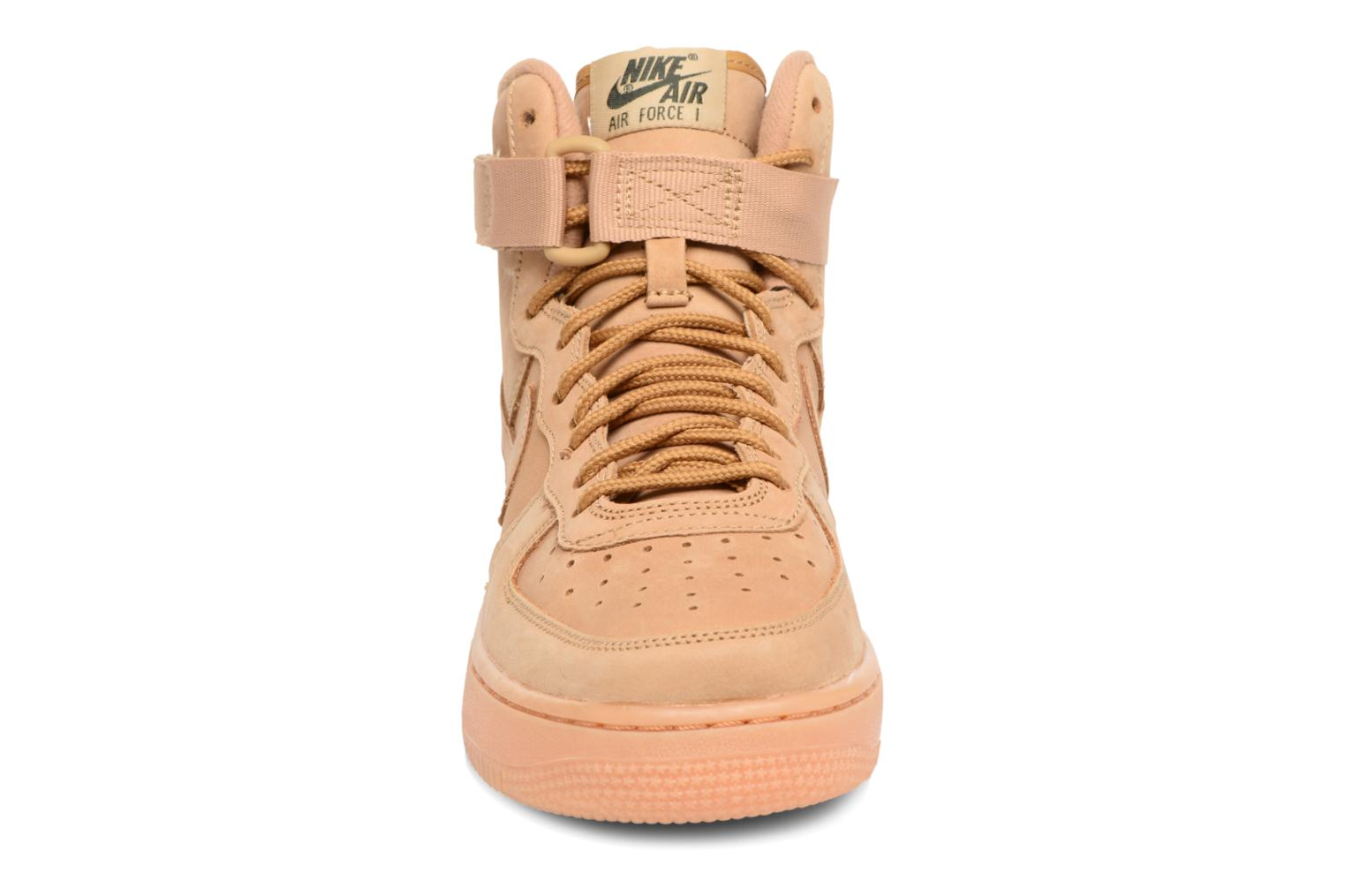 Sneakers Nike Air Force 1 High Wb (Gs) Marrone modello indossato