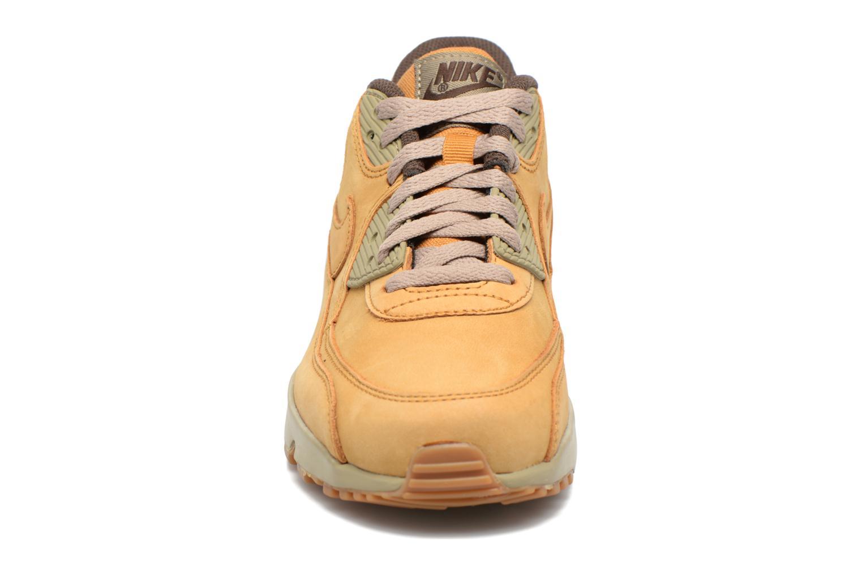 Baskets Nike Air Max 90 Winter Prm (Gs) Marron vue portées chaussures