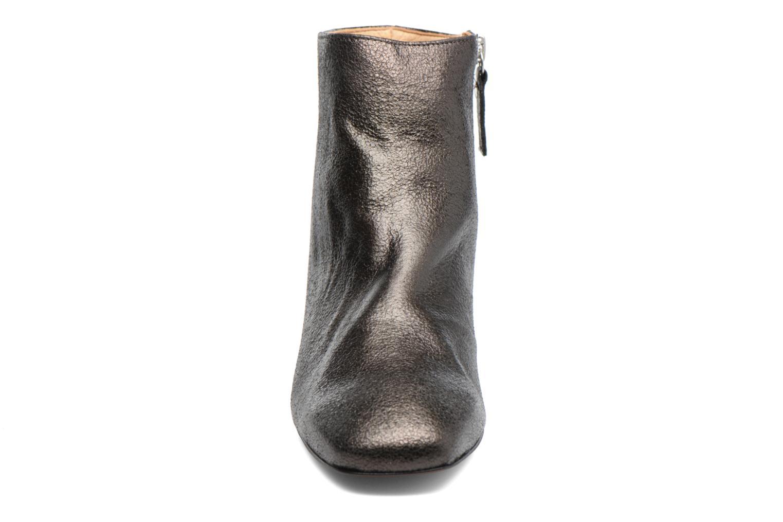 Ankle boots Georgia Rose Craquel Black model view