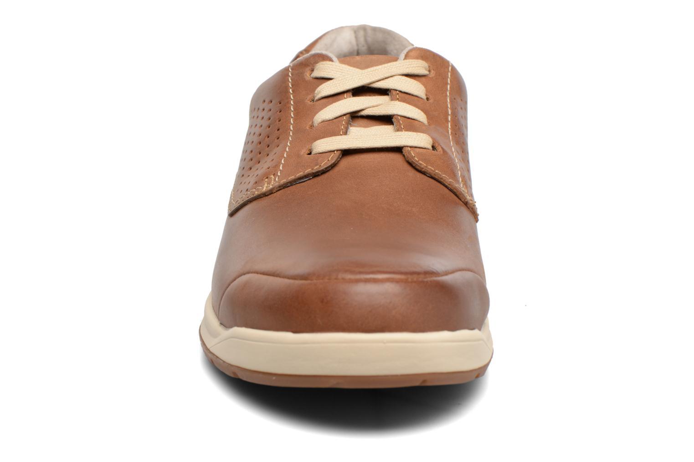 Chaussures à lacets Clarks Stafford Plan Marron vue portées chaussures