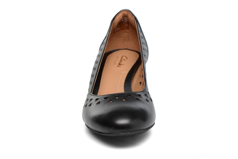 Escarpins Clarks Denny Dallas Noir vue portées chaussures