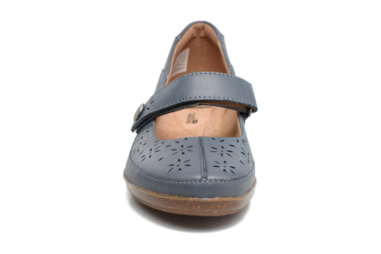 Ballerines Clarks Everlay Bai Bleu vue portées chaussures