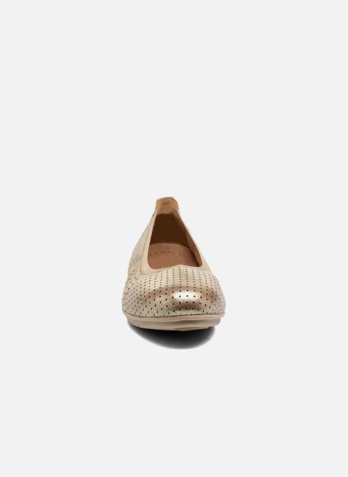 Ballerines Clarks Un Tract Or et bronze vue portées chaussures