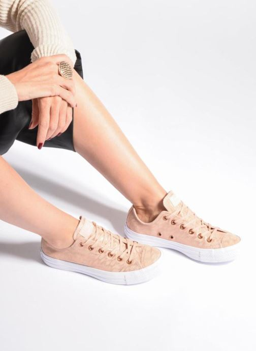 daed4799e095 Trainers Converse Chuck Taylor All Star Shimmer Suede Ox Pink view from  underneath   model view