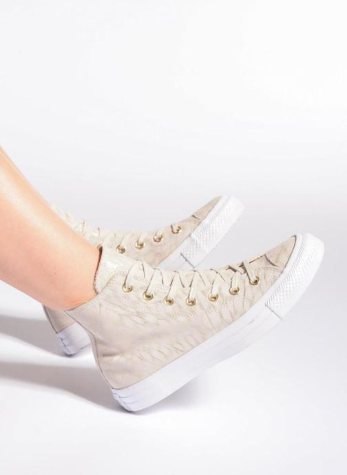 Sneakers Converse Chuck Taylor All Star Shimmer Suede Hi Beige immagine dal basso