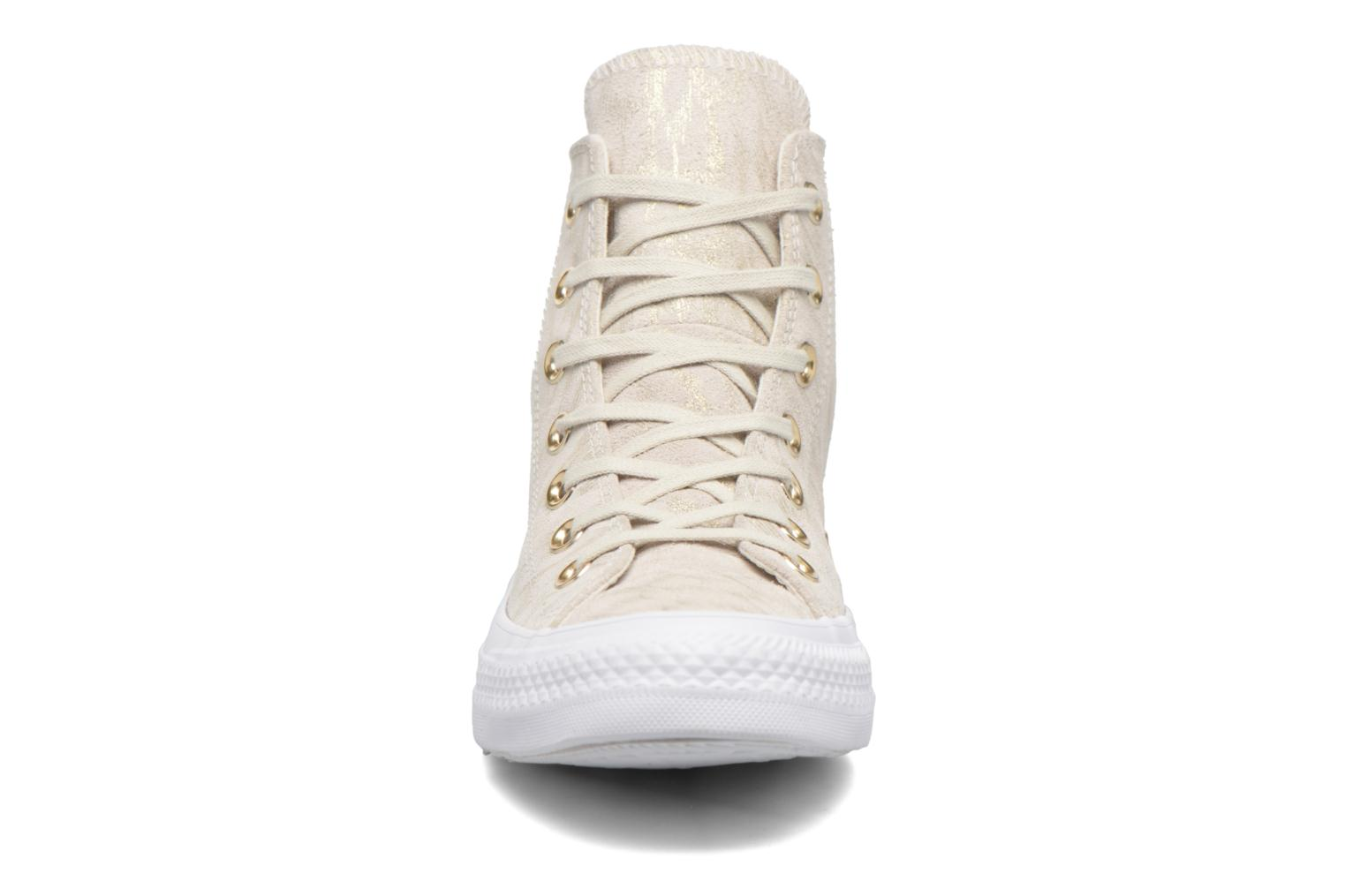 Sneakers Converse Chuck Taylor All Star Shimmer Suede Hi Beige model
