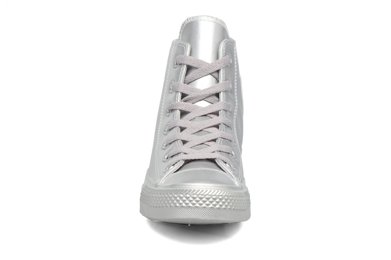 Baskets Converse Chuck Taylor All Star Liquid Metallic Hi Argent vue portées chaussures