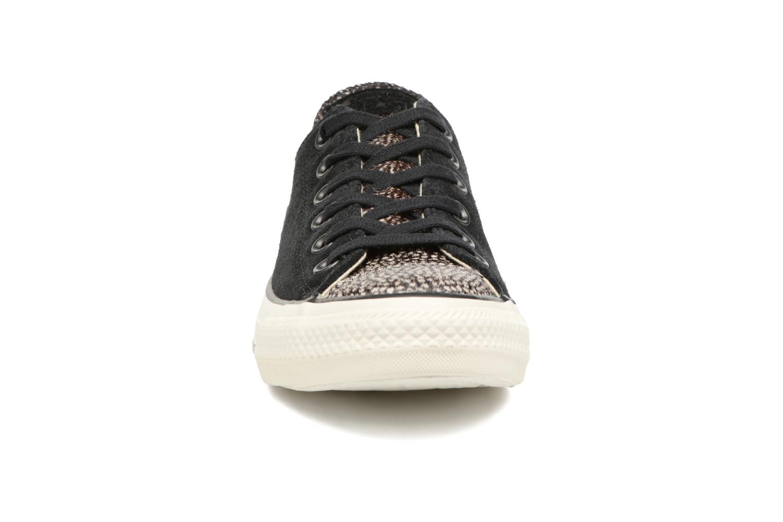 Baskets Converse Chuck Taylor All Star Pony Hair Ox Noir vue portées chaussures