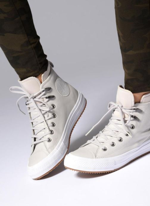 Trainers Converse Chuck Taylor WP Boot WP Leather Hi Grey view from underneath / model view