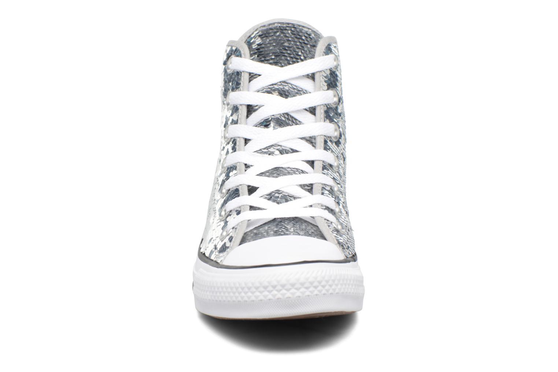 Baskets Converse Chuck Taylor All Star Sequins Hi Argent vue portées chaussures