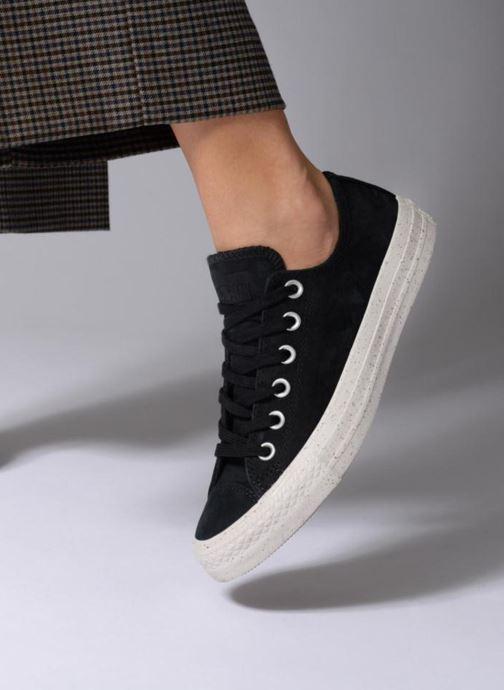 Sneaker Converse Chuck Taylor All Star Nubuck Ox W schwarz ansicht von unten / tasche getragen