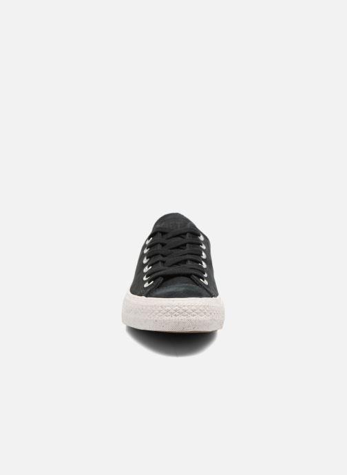 Sneakers Converse Chuck Taylor All Star Nubuck Ox W Nero modello indossato
