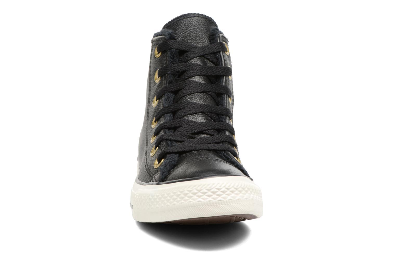 Baskets Converse Chuck Taylor All Star Leather + Fur Hi Noir vue portées chaussures