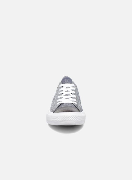Baskets Converse Chuck Taylor All Star Ox Flyknit Multi Gris vue portées chaussures