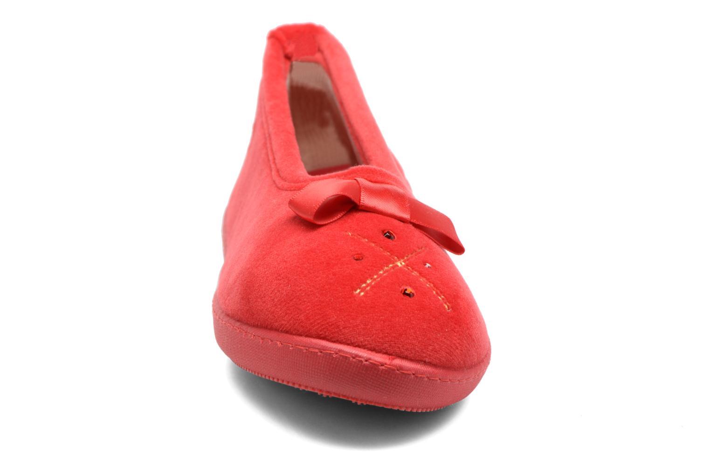 Pantuflas Isotoner Ballerine ergonomique micro velours Rojo vista del modelo