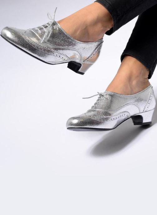 Chaussures à lacets Annabel Winship Uber Argent vue bas / vue portée sac