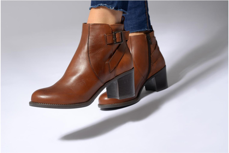 Bottines et boots Georgia Rose Aloas Marron vue bas / vue portée sac