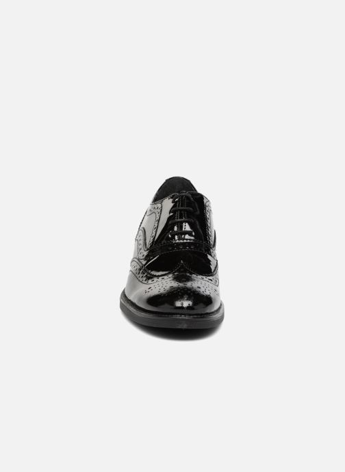 Zapatos con cordones Georgia Rose Aleria Negro vista del modelo