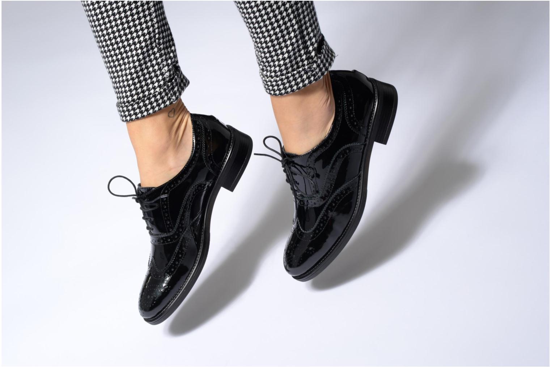Chaussures à lacets Georgia Rose Aleria Noir vue bas / vue portée sac