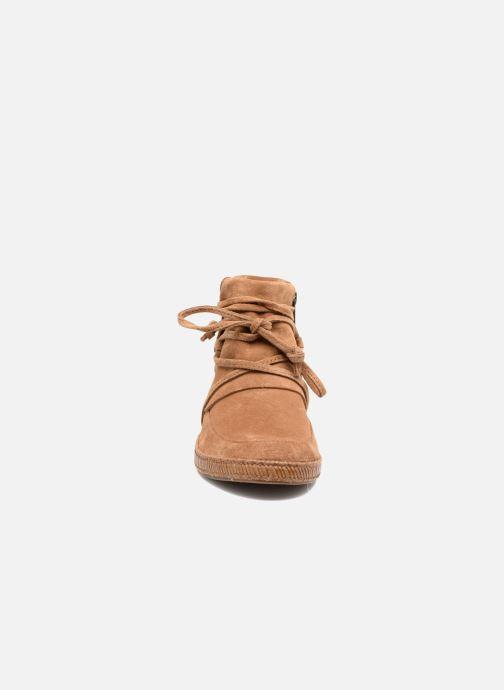 Bottines et boots UGG Reid Marron vue portées chaussures