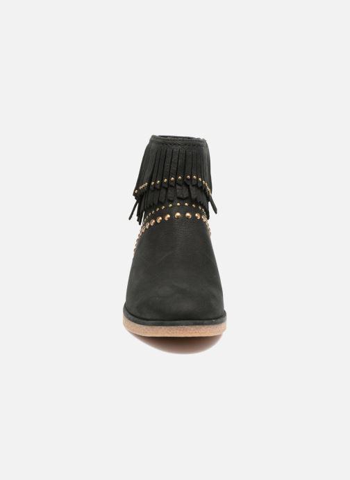 Bottines et boots UGG W Ariane Noir vue portées chaussures
