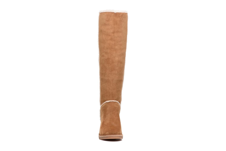 Bottes UGG W Kasen Tall Marron vue portées chaussures