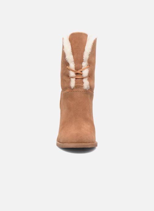 Bottines et boots UGG W Jerene Marron vue portées chaussures