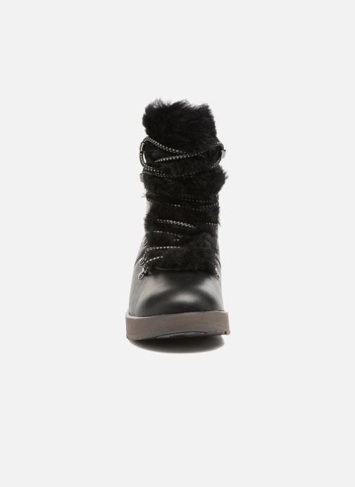 Bottines et boots UGG Viki Waterproof Noir vue portées chaussures