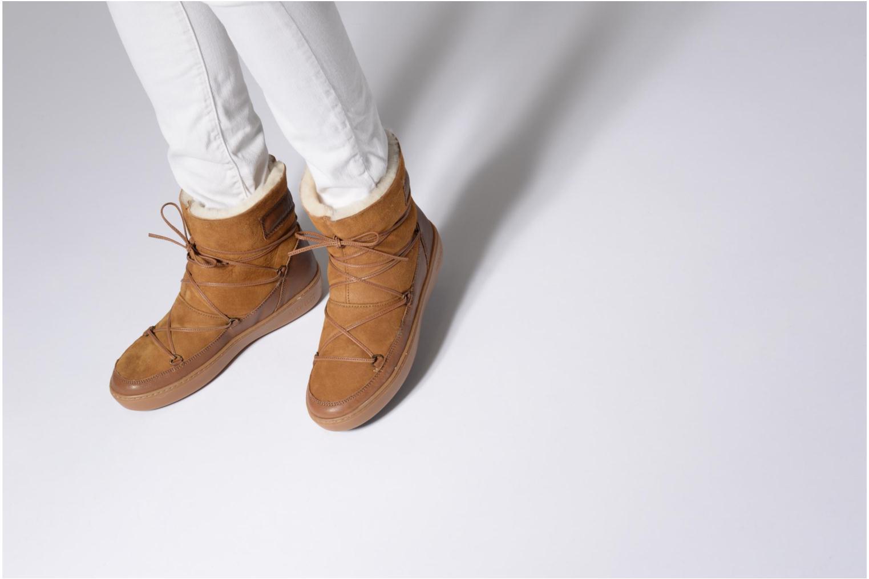 Chaussures de sport Moon Boot Pulse low shearling Marron vue bas / vue portée sac