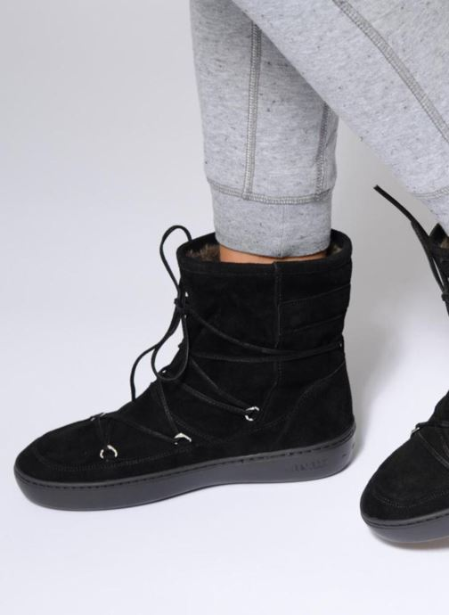 Sport shoes Moon Boot Pulse mid Black view from underneath / model view