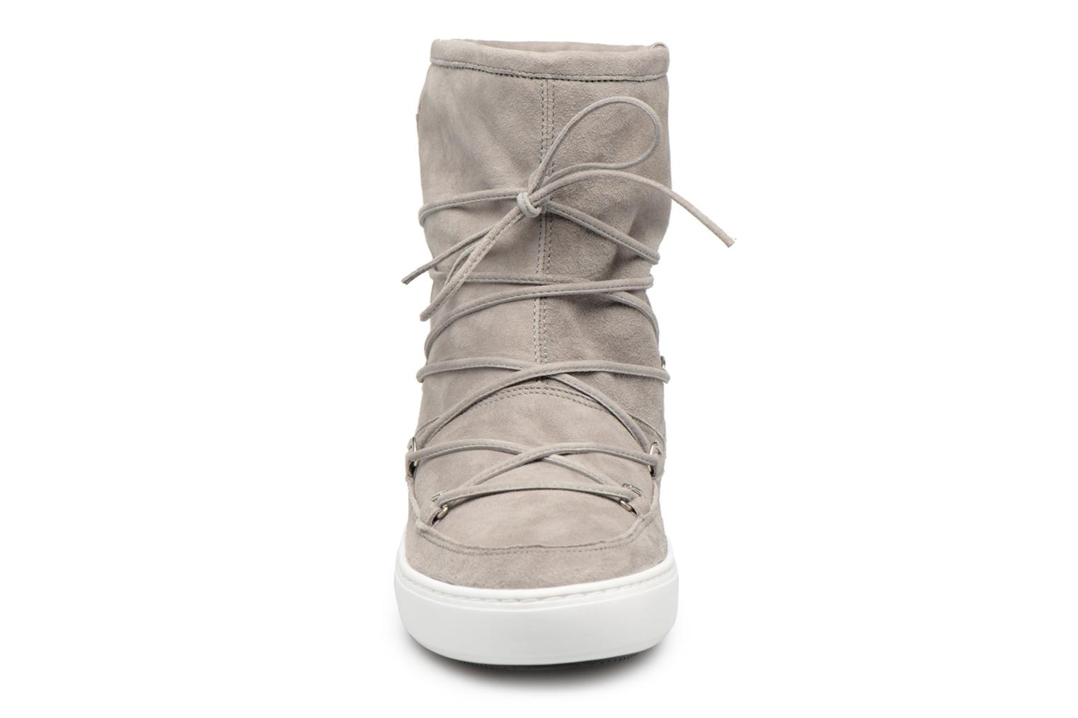 Sport shoes Moon Boot Pulse mid Grey model view