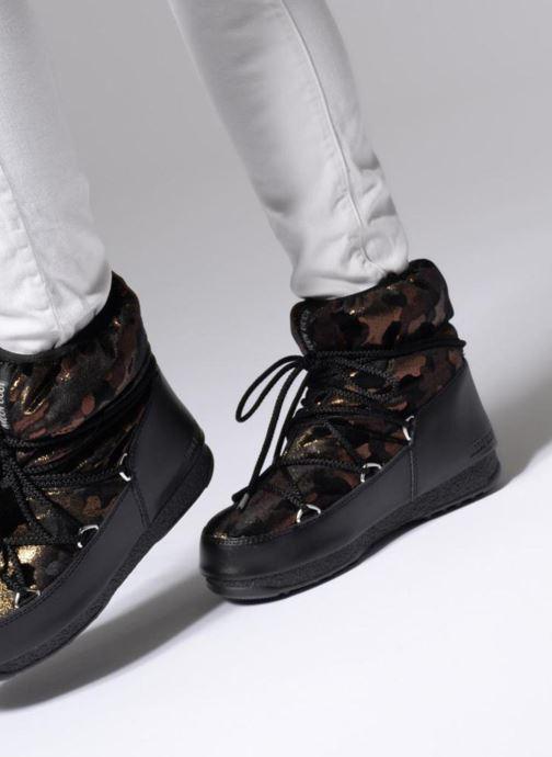 Chaussures de sport Moon Boot low camu Or et bronze vue bas / vue portée sac